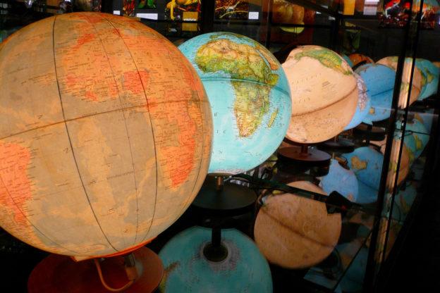 Weltzeituhr kaufen - Wanduhren, Zeitzonen-Uhren, Links
